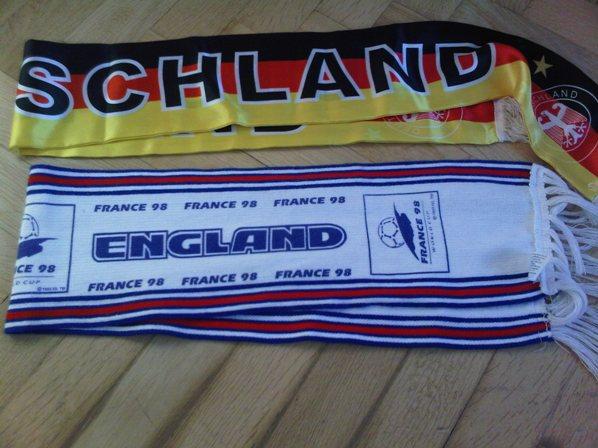 Englandschal von 1998 - Deutschlandschal von 2010